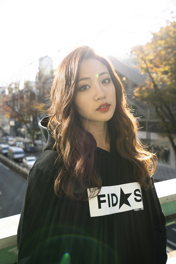 元夢アド 志⽥友美、FIDES×FIRSTORDERコラボアイテムのモデルに決定! 「ファンの方の反応が楽しみ」