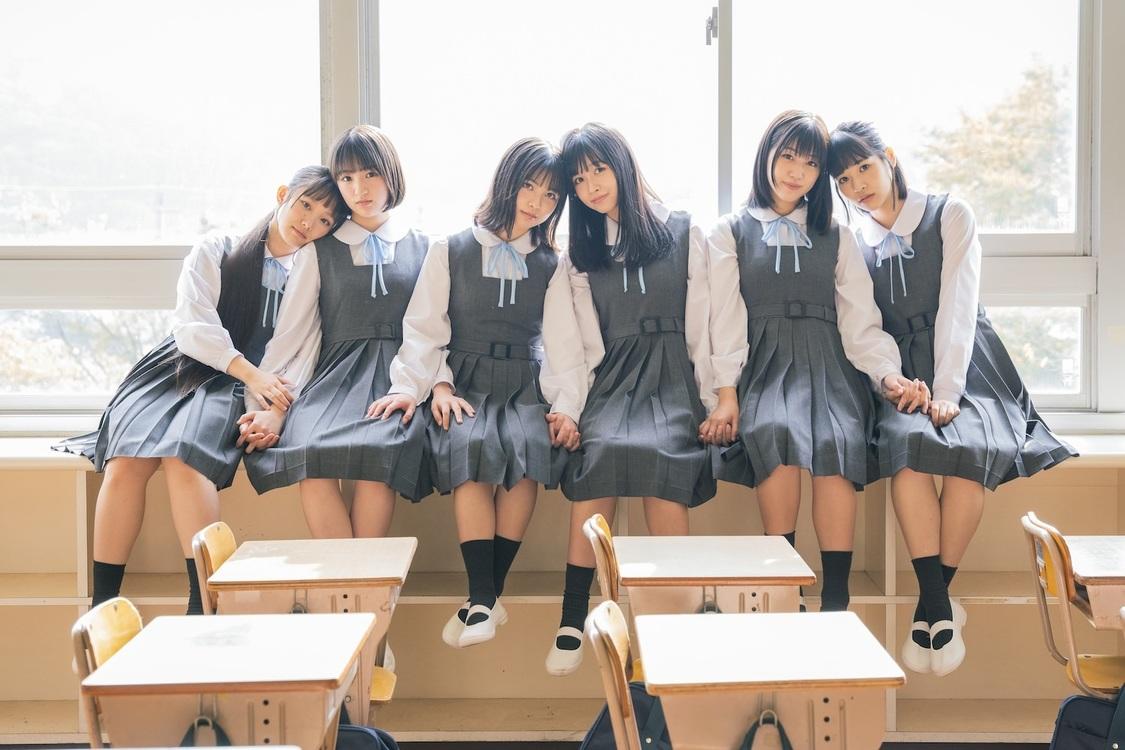 PiXMiX、「卒業レールウェイ」MV解禁「新しい挑戦をするみなさんの背中を押せる楽曲です!」