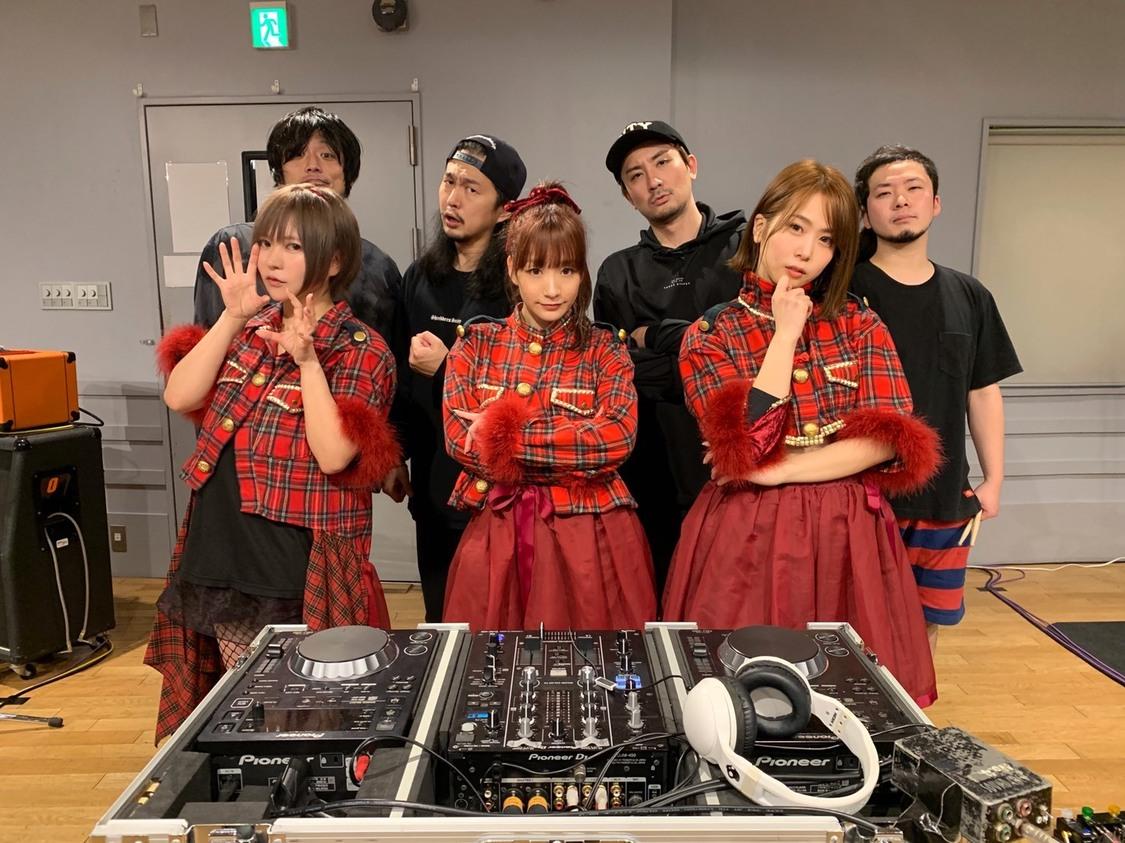 あゆくま、出演を予定していた<CDJ20/21>バンドセットライブ映像を緊急公開! 配信番組『GOWGOW TV』にて