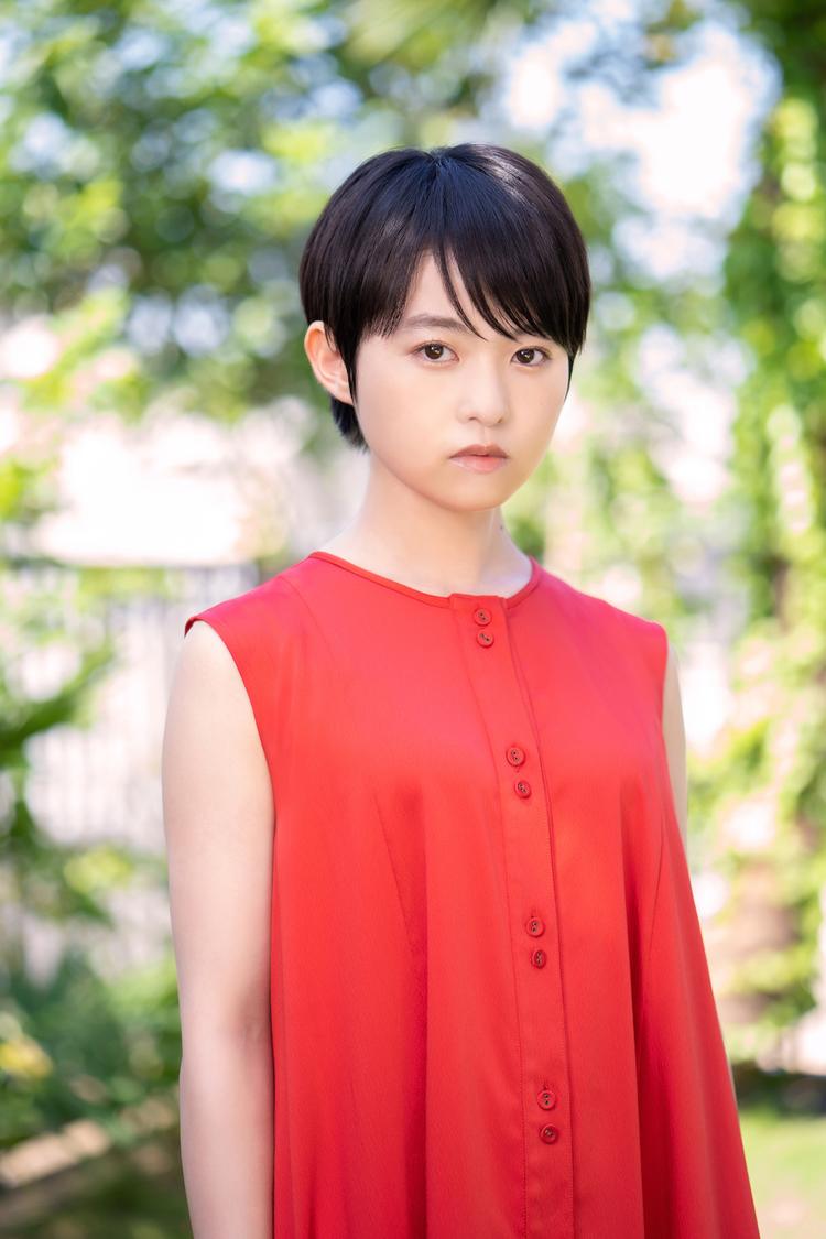 伊藤万理華、中村ゆりか主演ドラマ『エージェントファミリー~我が家の特殊任務~』出演決定! 「私自身が役に負けないよう撮影を楽しみたいです!」
