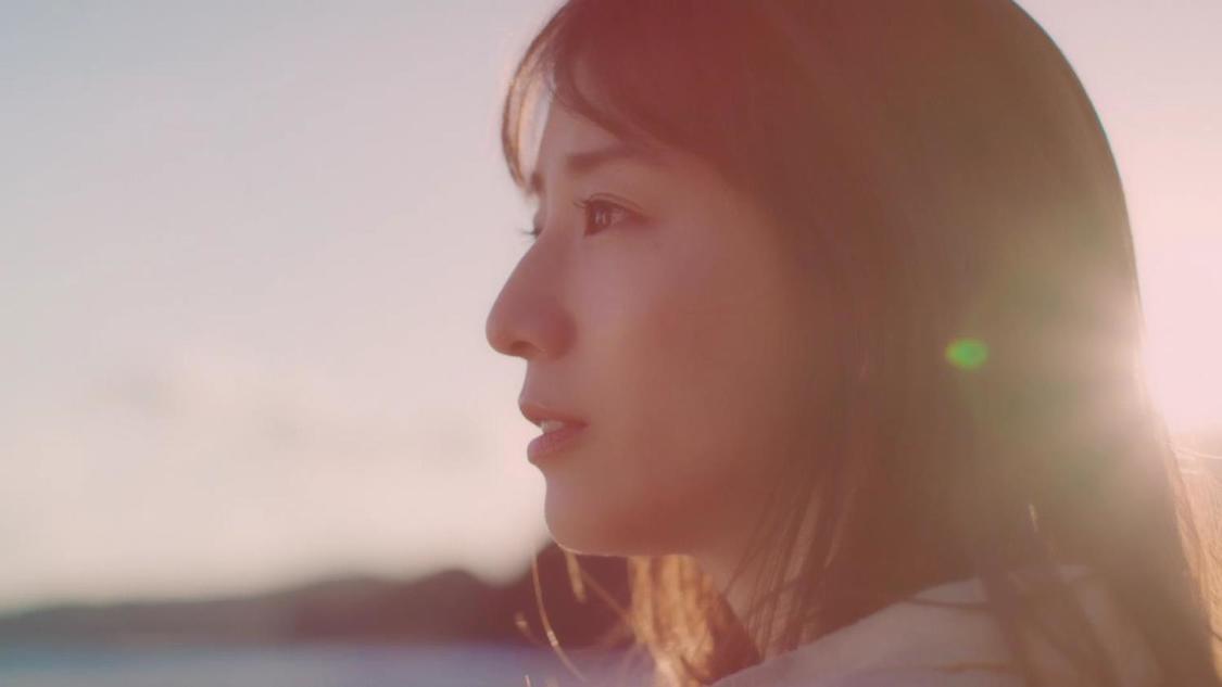 田中みな実、凛とした表情からお茶目なリアクションまでを見せる!『OCN モバイル ONE』スペシャルムービー&CM出演