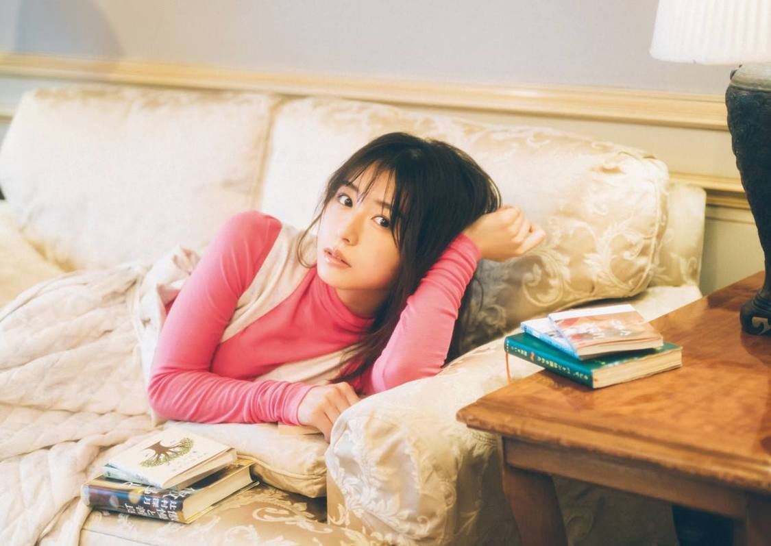 長濱ねる、愛情たっぷりに読書の魅力を語る! 『bis』登場