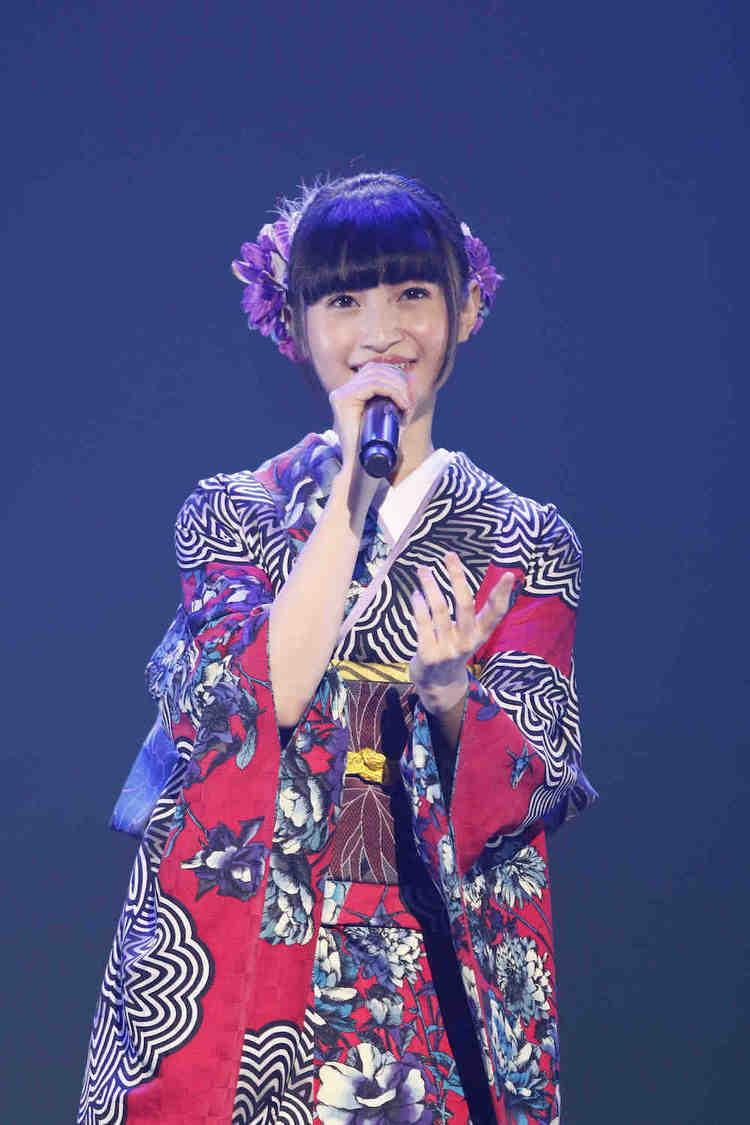 グラビアもできる演歌歌手・望月琉叶[ライブレポート]「とても素敵なステージになりました」バレンタインデーに初コンサート開催!