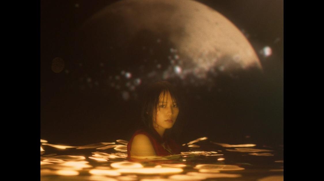南沙良、Vaundy「融解sink」MVに出演!「お話をいただいた時は大興奮と緊張でフリーズしました」