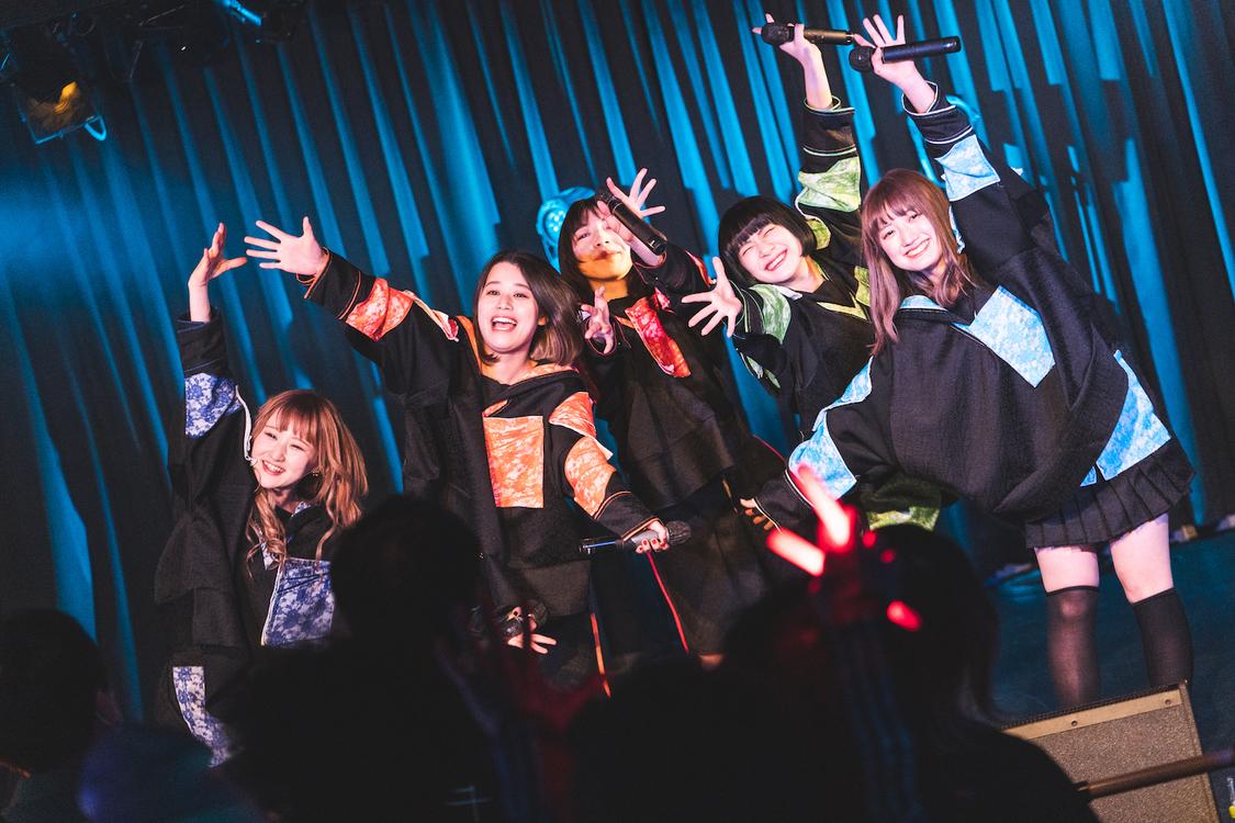 雨模様のソラリス[ライブレポート]『#DSPM』新アイドルグループが放ったエモーション溢れるお披露目ライブ!