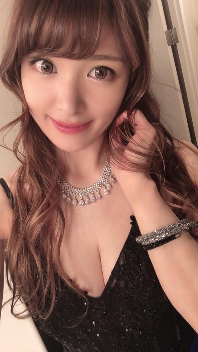 """セクシーすぎるピアニスト・高木里代子、格式ある""""コットンクラブ""""での追加公演が決定!"""