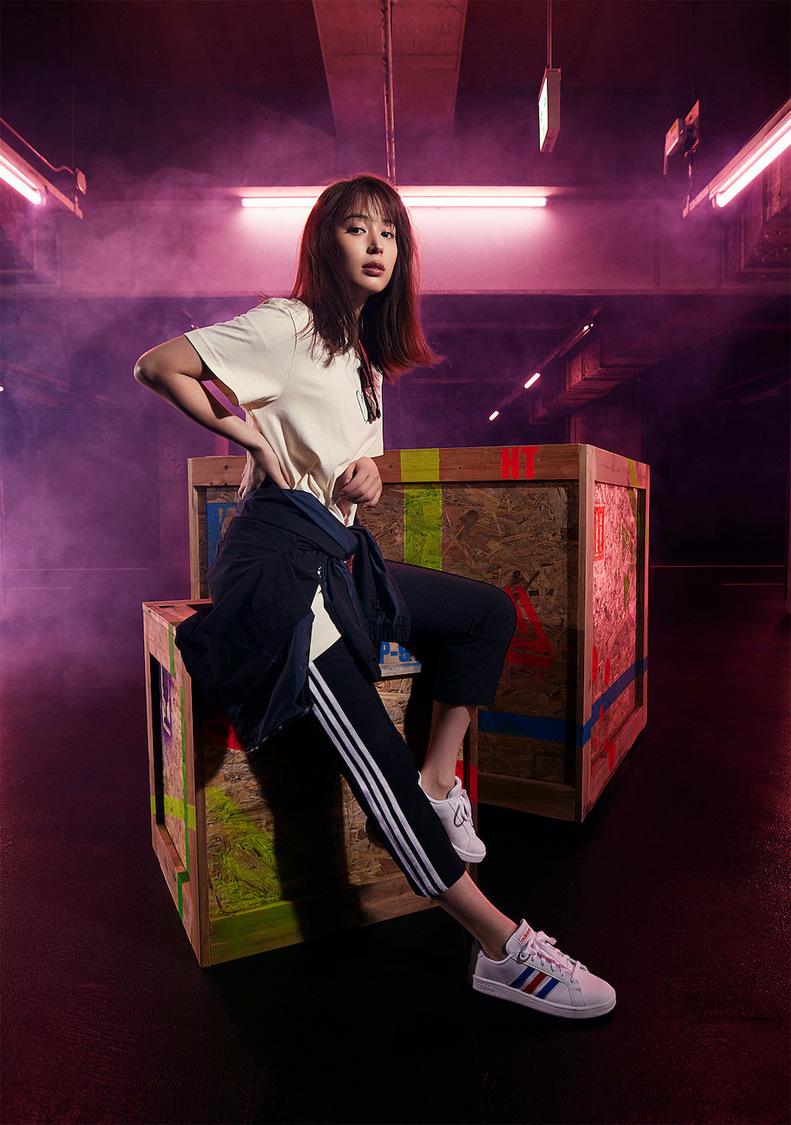 広瀬アリス、美しくスポーティな佇まいを披露!「adidas 2021 S/S Collection」スタイリングルック公開