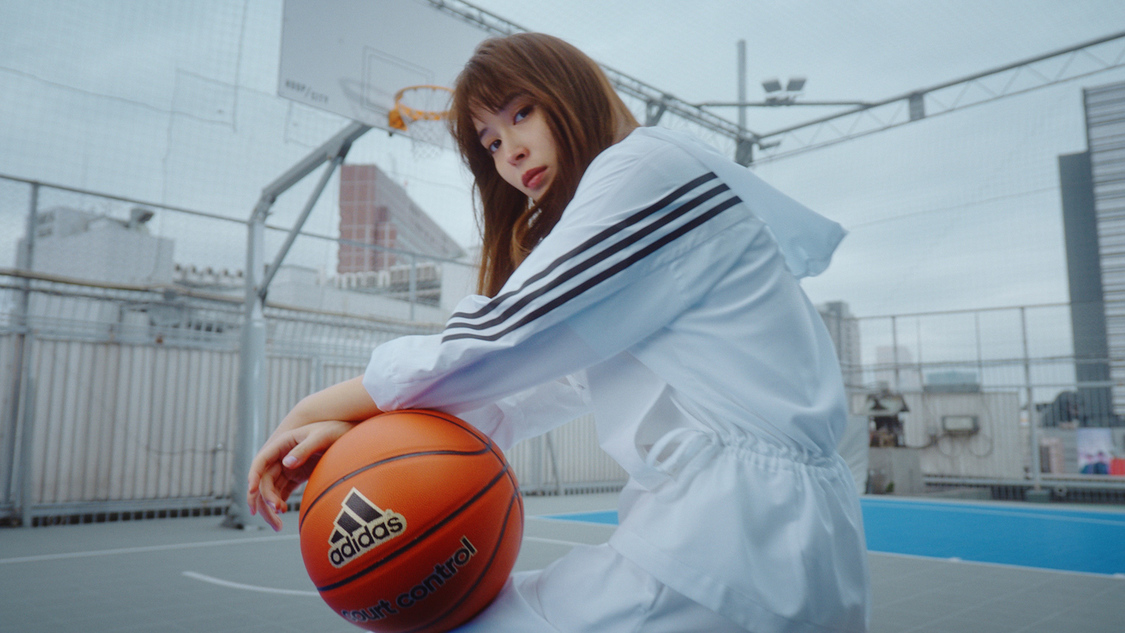 広瀬アリス、スポーティな姿で魅せる! 「adidas 2021 S/S Collection」スペシャルムービー公開