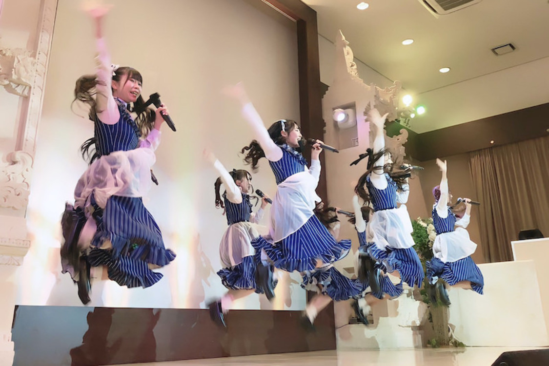 Stand-Up! Next![ライブレポート]フレッシュさいっぱいの1周年記念公演「2年目も突っ走っていくのでついてきてくれたら嬉しいです!」