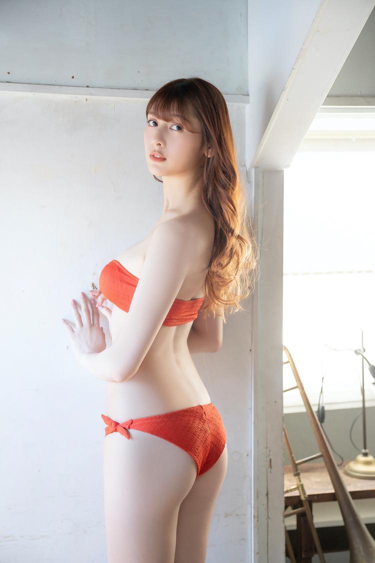 アンジェラ芽衣((c)小池伸一郎/秋田書店)