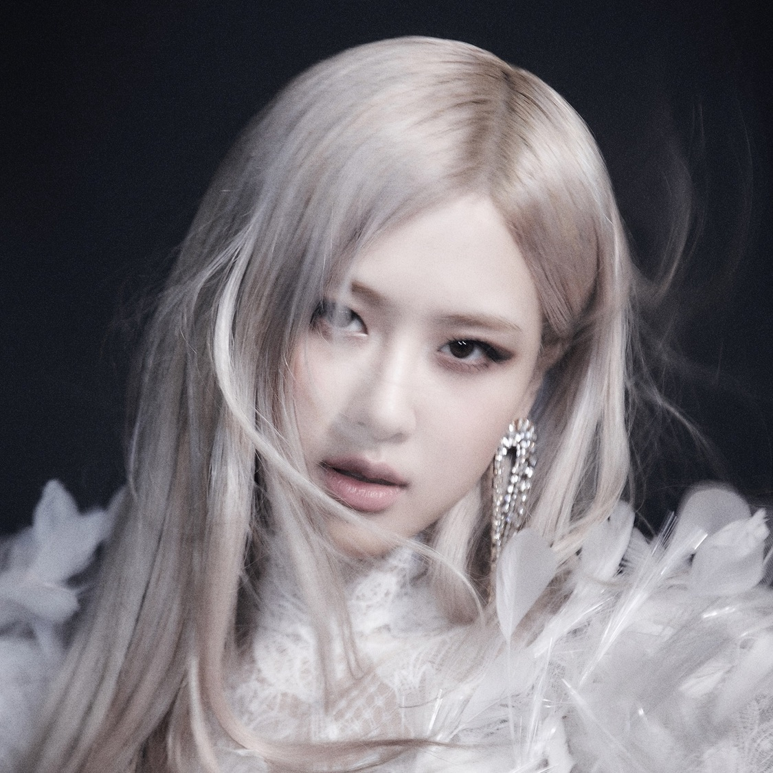ROSÉ From BLACKPINK、3/30放送『スッキリ』で「On the Ground」をパフォーマンス決定!