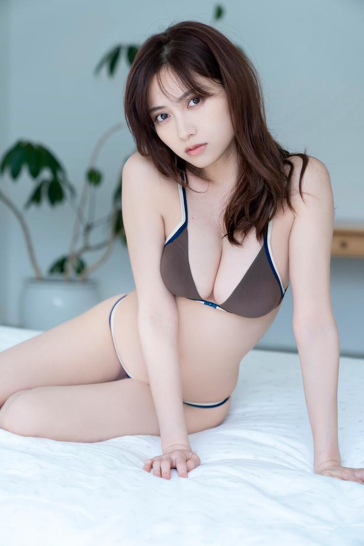桃月なしこ((c)唐木貴央/ヤングマガジン)