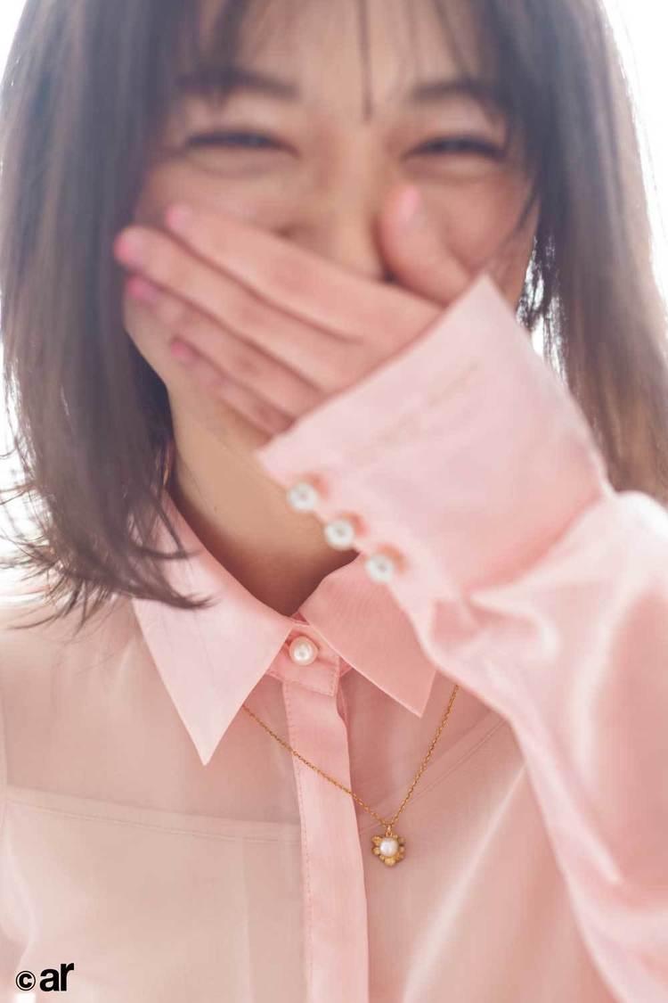 櫻坂46 森田ひかる、ピンクに染まった可憐な姿で魅せる! 『ar』登場