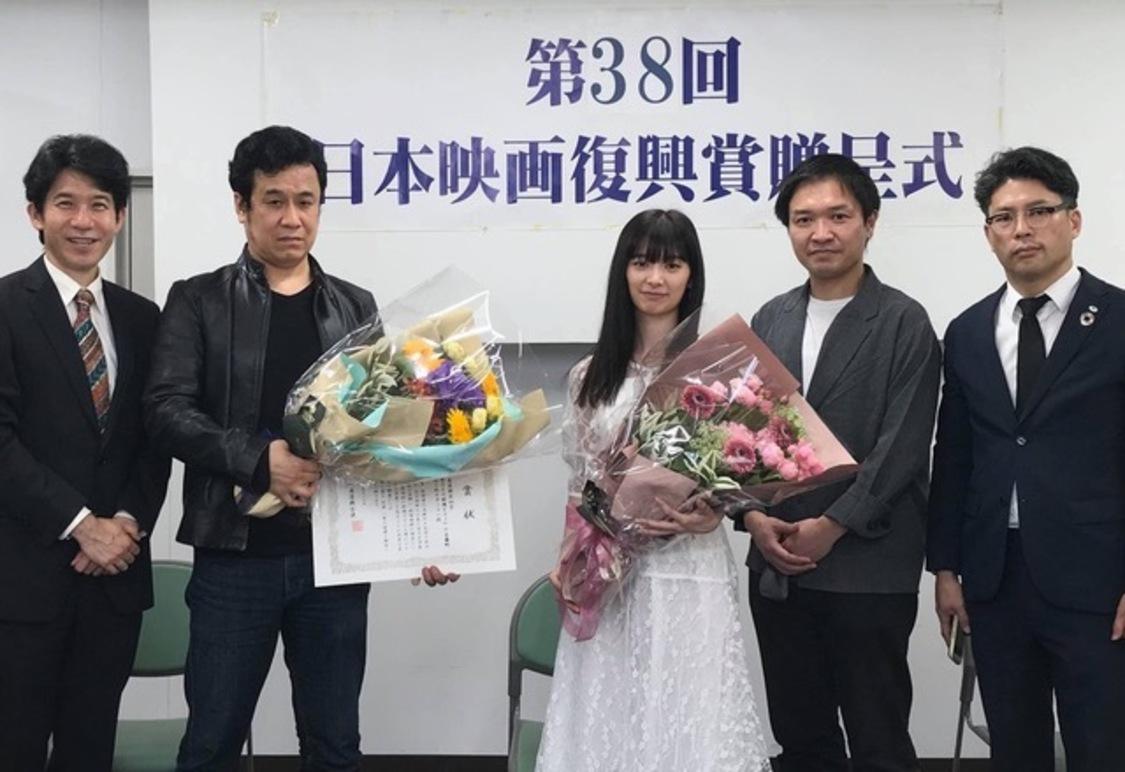 AKB48 武藤十夢&佐野史郎 W主演映画『おかあさんの被爆ピアノ』、日本映画復興賞奨励賞を受賞「平和が当たり前である世の中がいかに幸せなことなのか」