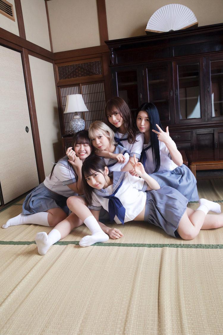 #2i2(撮影:桑島智輝『グラビアザテレビジョンVOL.55』)