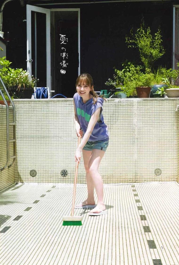 日向坂46 加藤史帆、夏に向けてワクワクするようなグラビアを披露! 「いろんな私を見てください♡」『週刊少年チャンピオン』表紙&巻頭登場