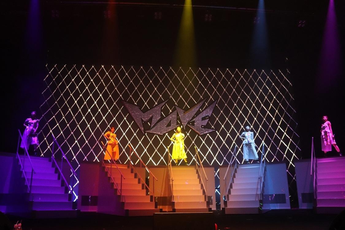 エビ中[ライブレポート]5つの動くステージで立体的なライブを披露!この公演のみの選曲も<Concept Live~MOVE~>最終・名古屋公演にて
