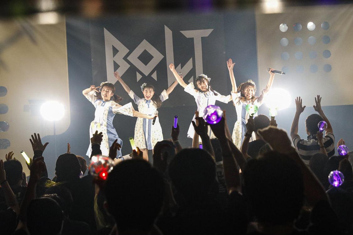 B.O.L.T[ライブレポート]大きな成長とこれまでの足跡をステージに刻んだ結成2周年ライブ「1人ひとりが輝いていけるグループになっていきたい」