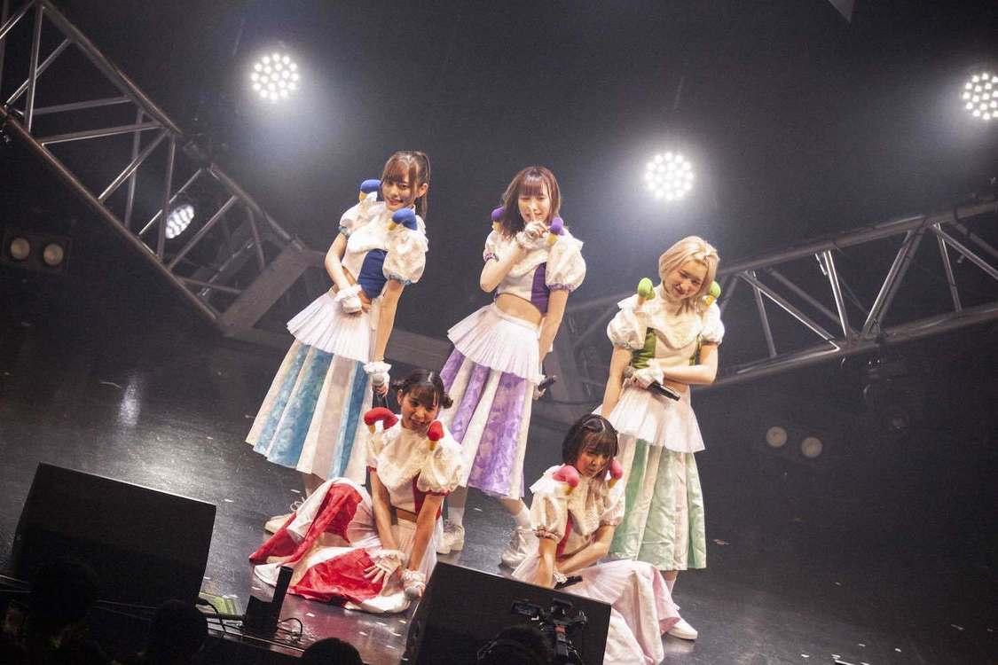 豆柴の大群[ライブレポート]多彩なシーンでオーディエンスを魅了したライブハウスツアーファイナル公演