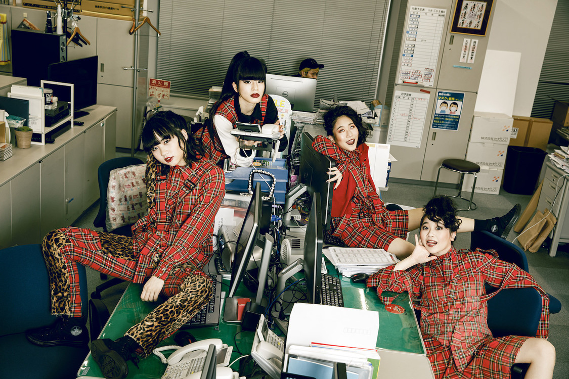 BiS、KEMURI「PMA (Positive Mental Attitude)」カバーSGをタワーレコード香椎浜店限定ゲリラリリース!
