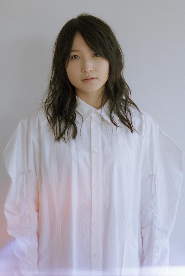 鞘師里保、本日8/4に1st EP発売! 本人直筆&参加クリエイターコメント到着!