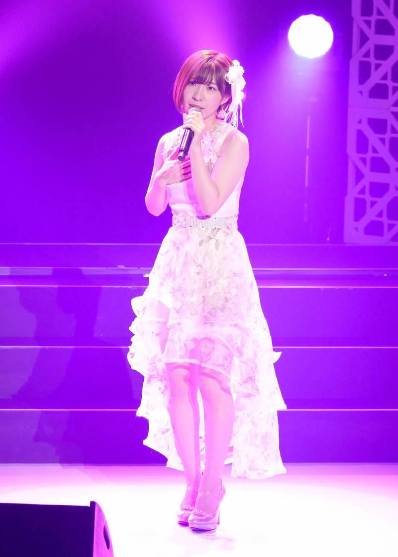 岩佐美咲[ライブレポート]10年間の集大成で観客を魅了! 「私の歌で元気になってもらえたら嬉しい」