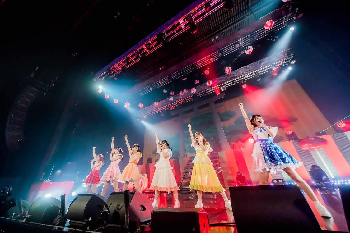 FES☆TIVE[ライブレポート]結成以来最大規模ワンマンで夏を締め括る! 「僕らはどこかで通じ合っていると思っています」