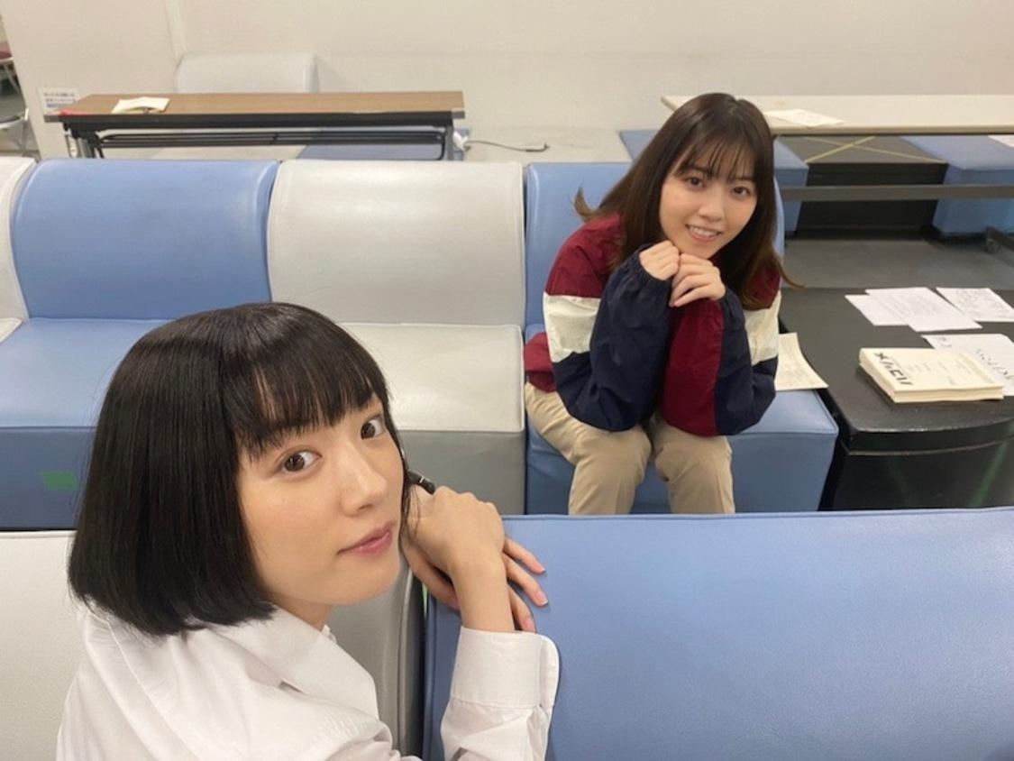 永野芽郁&西野七瀬、可愛さ溢れるペアオフショットを公開! ドラマ『ハコヅメ』ブログより