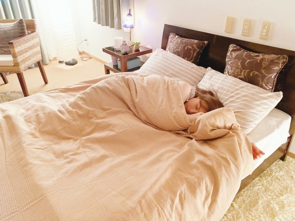 """白石麻衣、""""すやすや""""と眠る天使級寝顔オフショットを公開! ドラマ『漂着者』ブログより"""