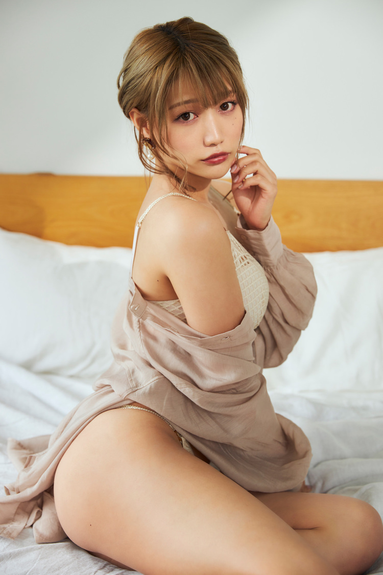 篠原みなみ『PnR』vol.1アザーカット(撮影:藤城貴則)