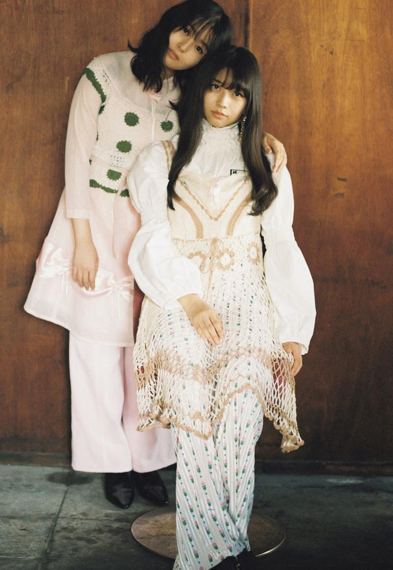 牧野真莉愛(モーニング娘。'21)、頓知気さきな、新條由芽、ヴィンテージファッションで魅せる! 『bis』登場