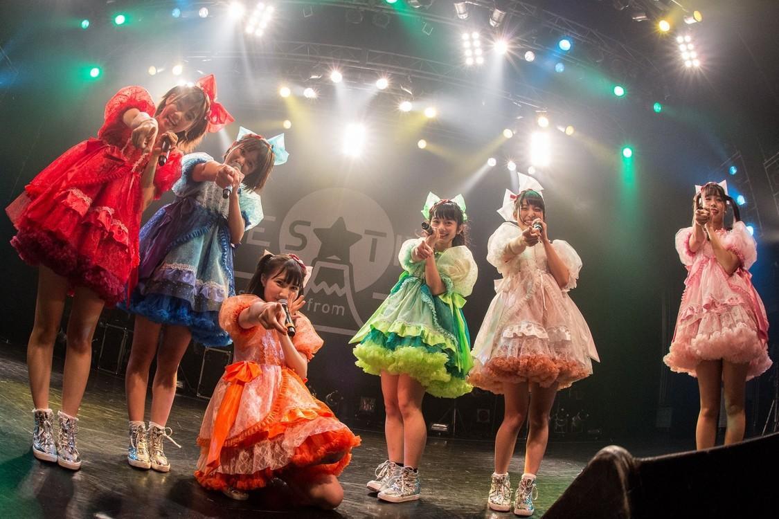 【ライブレポート】FES☆TIVE、新体制初ワンマンで800人を超える動員! 年明けニューSG発表も