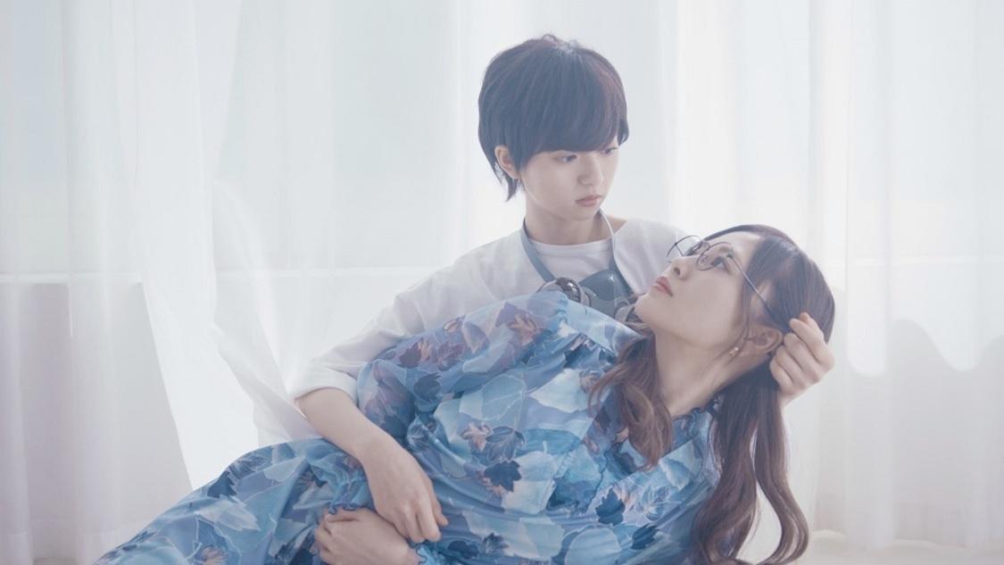 乃木坂46、アドリブ演技を生かした齋藤飛鳥と白石麻衣ユニット曲「のような存在」MVを公開!