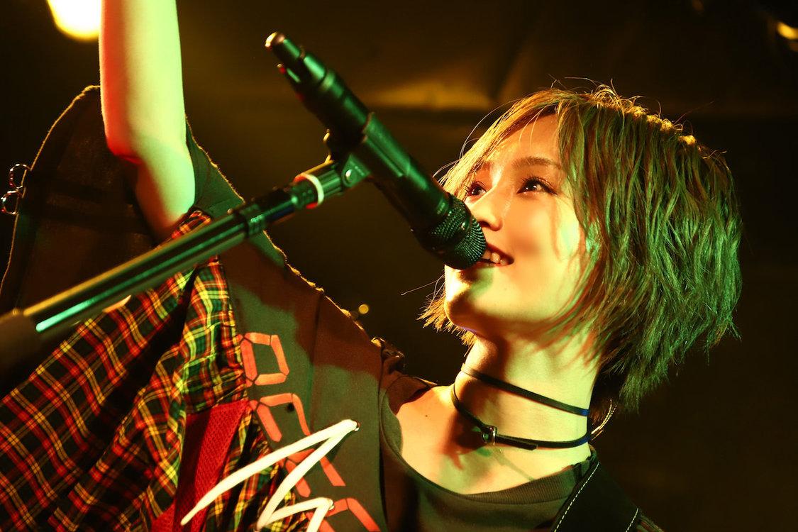 【ライブレポート】山本彩、ソロロックシンガーとしての覚悟を刻んだライブハウスツアー完走「より気持ちを込めて歌っていきます」
