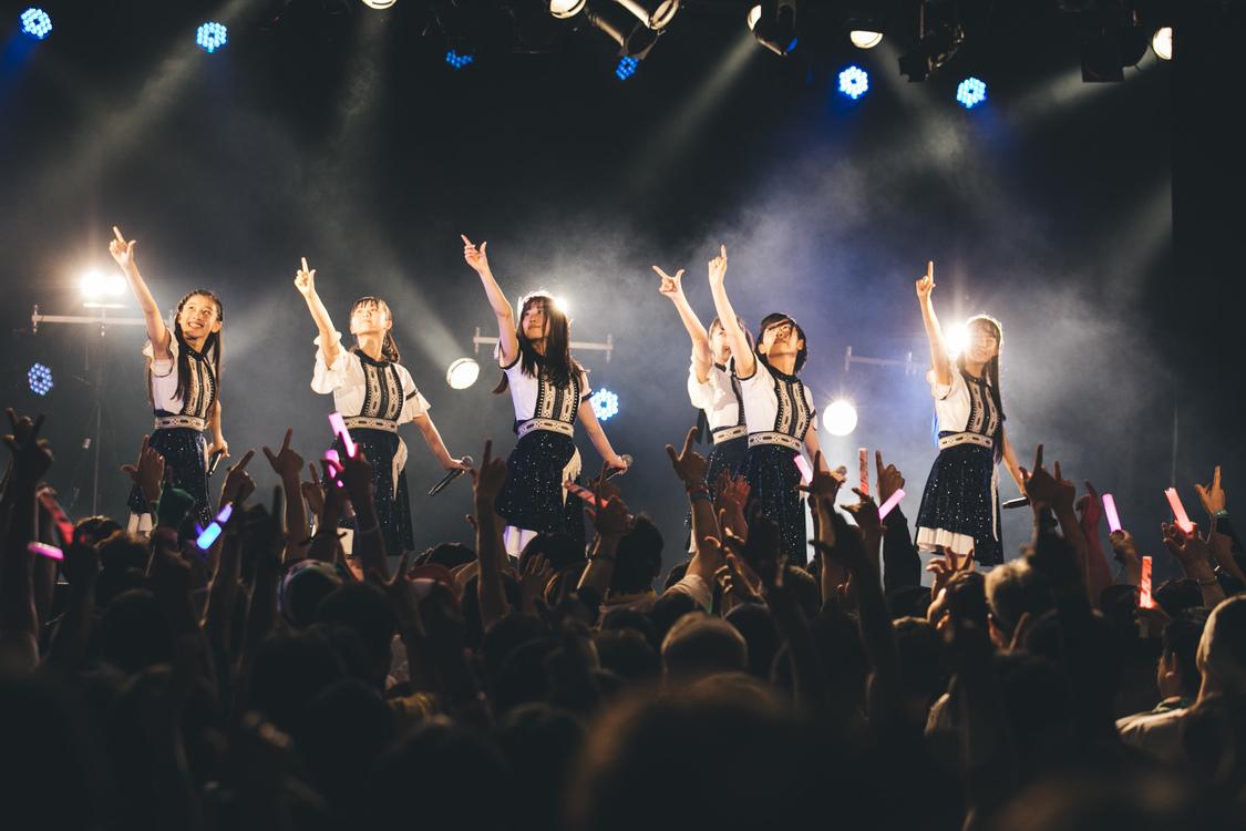 【ライブレポート】桜エビ〜ず、壮大なスケール感でツアー幕引き。「すっごく楽しかったです!」