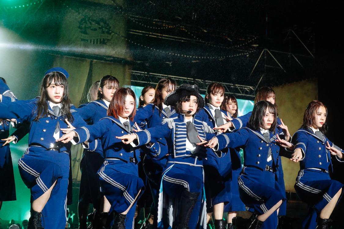 【ライブレポート】欅坂46、野外ライブ『欅共和国』で描いた圧巻の船上スペクタクル