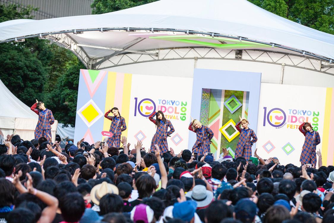 BiSH、夏恒例フリーイベント<TOKYO BiSH SHiNE5>開催決定!告知はTIFで