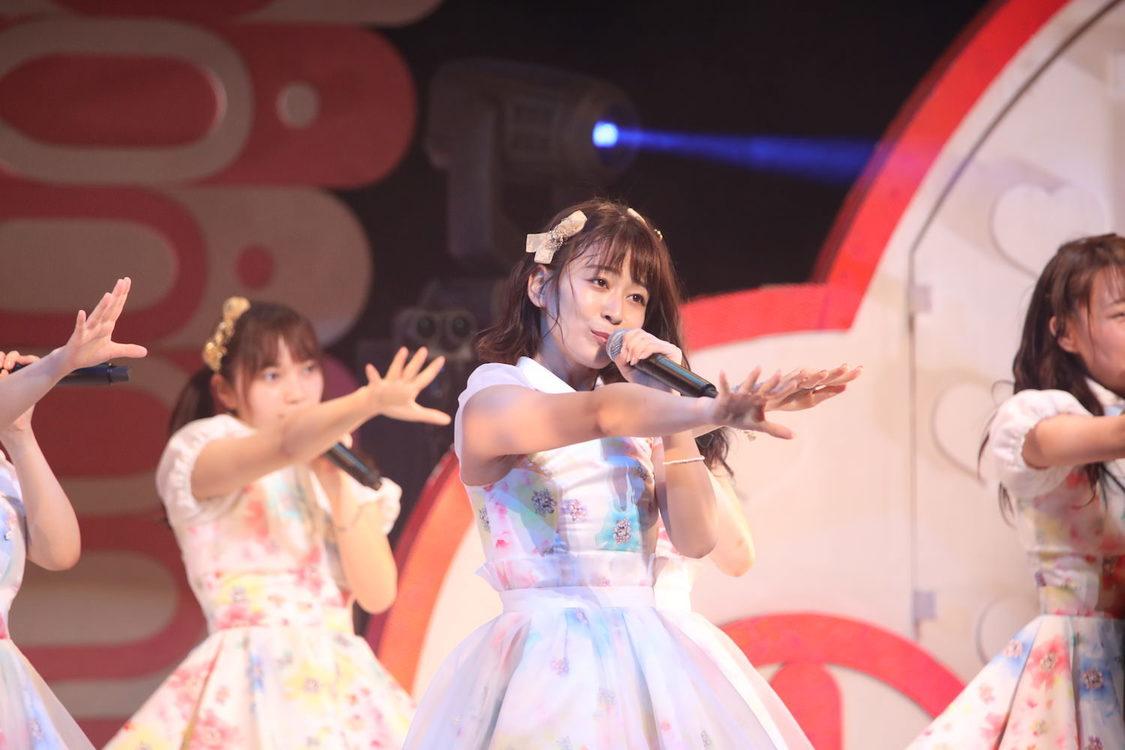 AKB48チーム8[ライブレポート] 太田奈緒、センターでSTU48の名曲「暗闇」熱唱 エイトの日!グランキューブ祭り!2019