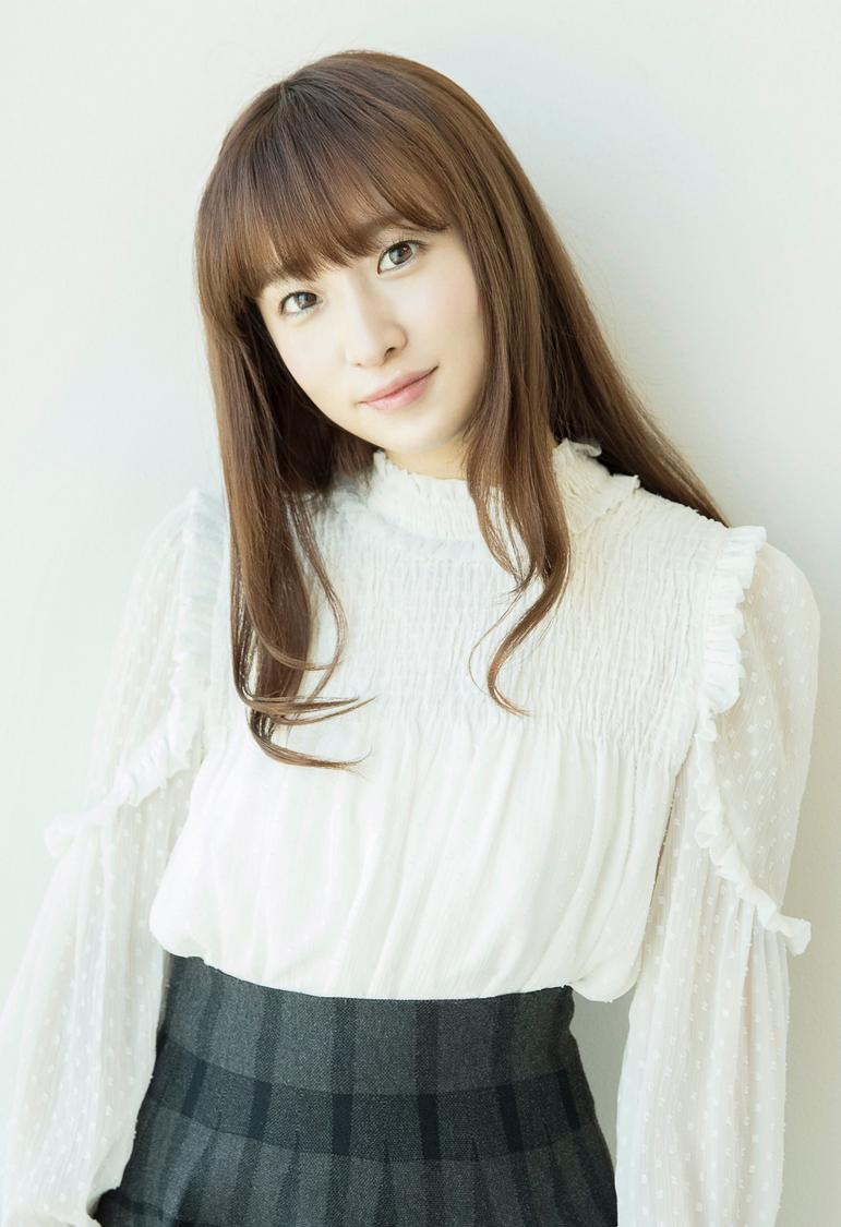 梅田彩佳(元AKB48)プロデュースの梅酒「梅恋」が新発売!