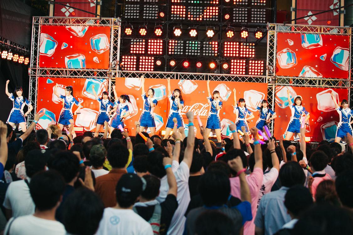 SUPER☆GiRLS[ライブレポート]美脚が輝く新衣装&爽快な新曲で #夏スパガ をアピール!