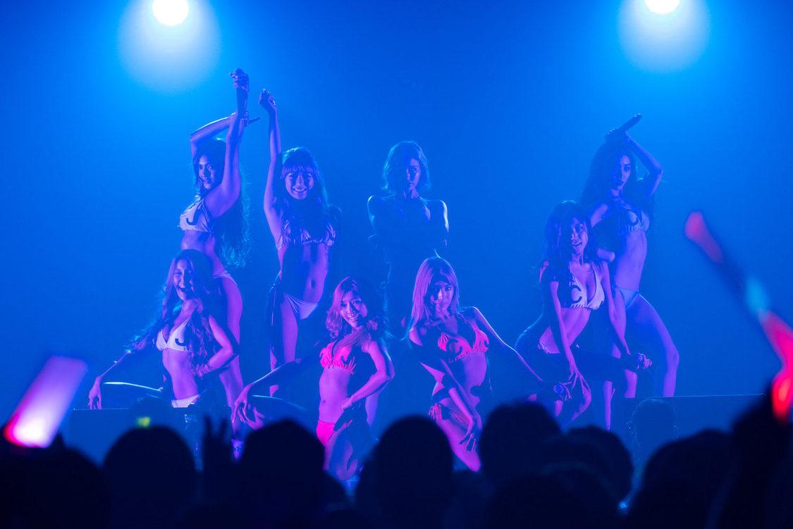 CYBERJAPAN DANCERS[ライブレポート]初の主催ライブで2,500人を爆アゲ!