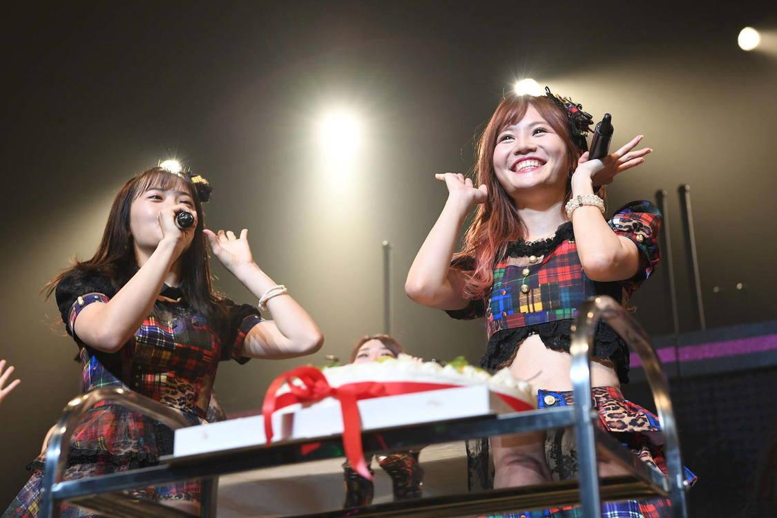 AKB48[ライブレポート]キャプテン込山榛香のサプライズバースデー「家族、ファンのみなさん、チームKで、今の私はできています」