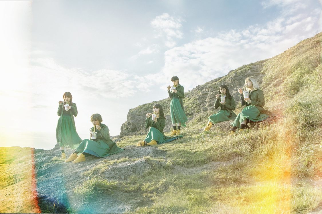 BiSH、作曲アイナ作詞モモコによる新曲「リズム」MV公開!新アートワークも