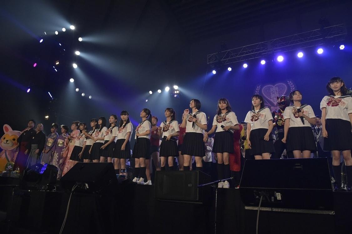 エビ中[ライブレポート]最多161人で大合唱!秋田分校5周年をお祝い