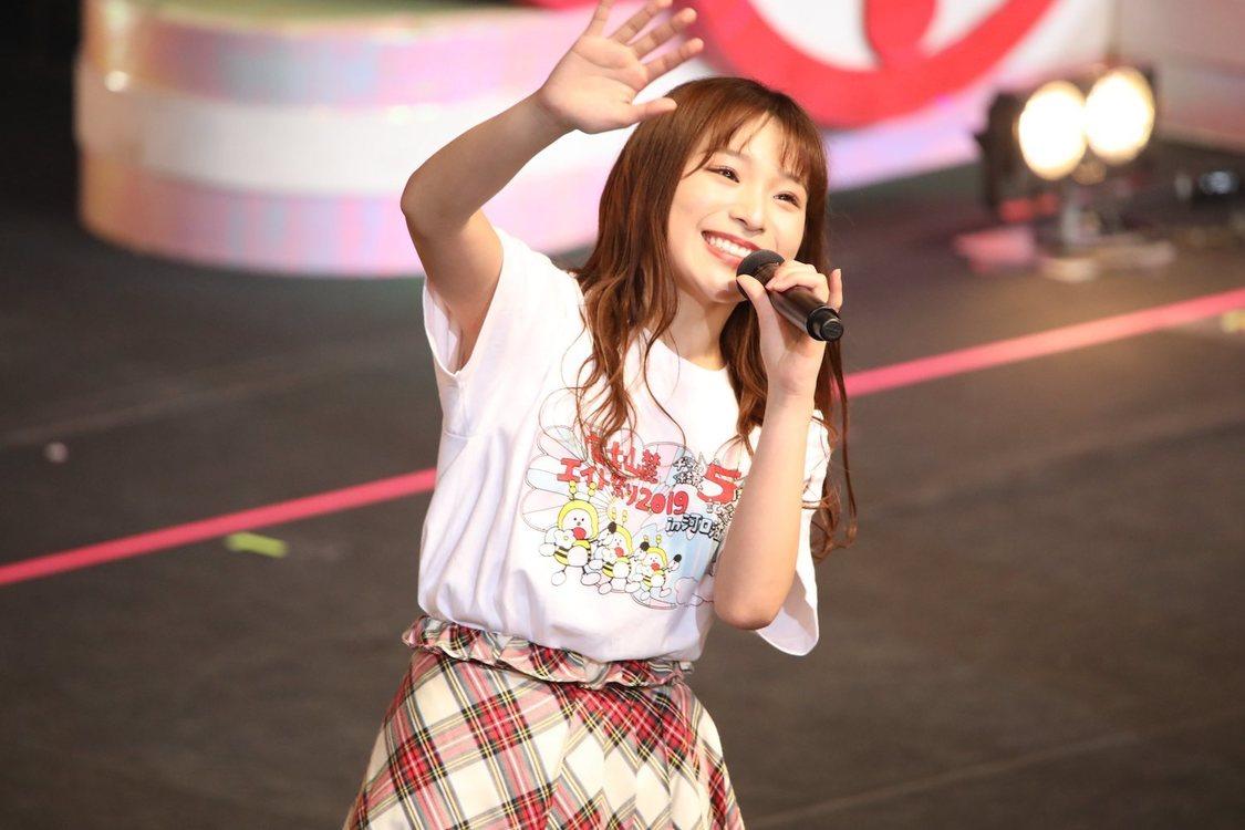 AKB48チーム8 左伴彩佳、『美人百花』誌面掲載権争奪バトルへの決意表明「みんなと一致団結して頑張りたい」