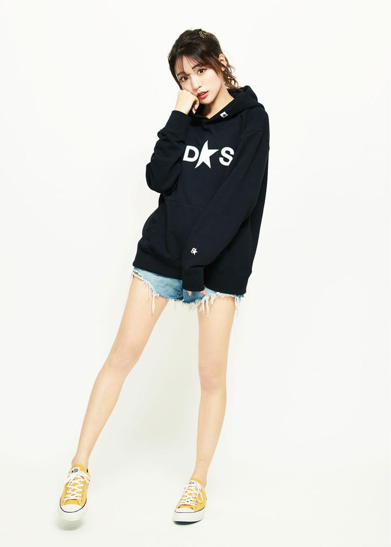 志田友美(夢アド)、スタイルと美脚を活かした『FIDES』ブランドモデルに抜擢!「これから寒くなるので脚を出すかは考えます(笑)」