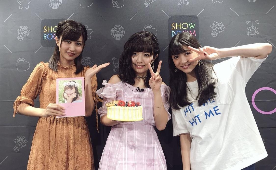 写真右から:金澤有希、武田舞彩、新井ひとみ