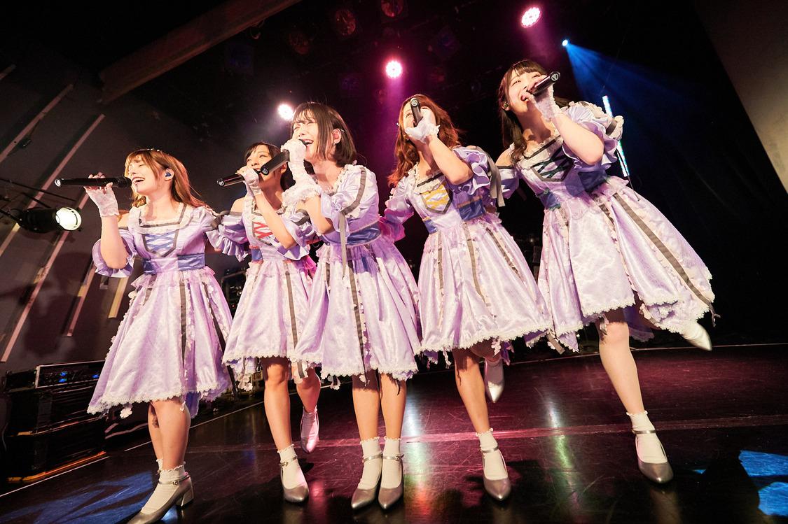 神宿、思い出の地でジャパンツアー開幕!衣装提供はオサレカンパニー