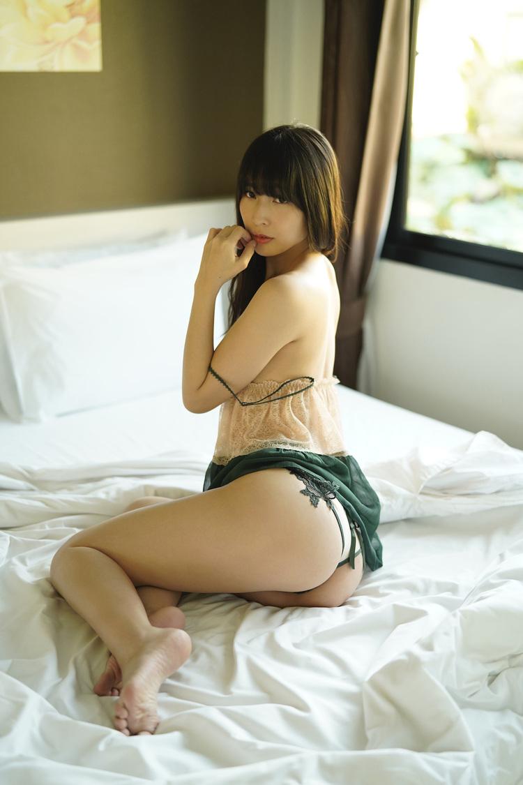 川崎あや (c)集英社/週刊プレイボーイ/撮影・LUCKMAN