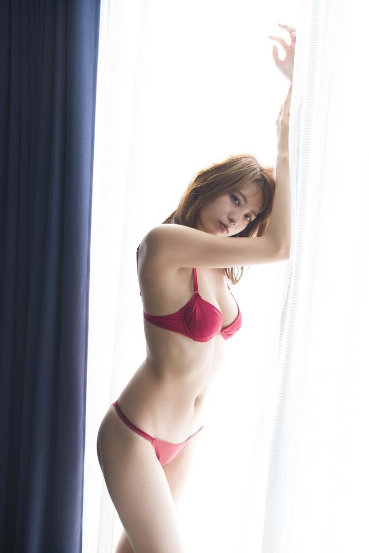 早瀬あや (c)佐藤裕之/週刊プレイボーイ